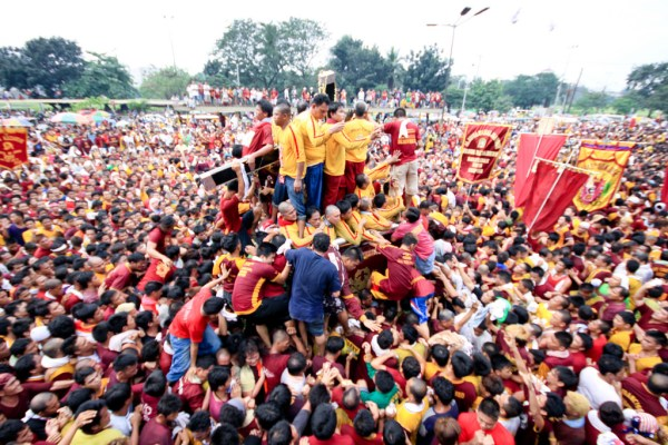 2019 Feast of the Black Nazarene Procession by Marc Reil Gepaya via Flickr CC