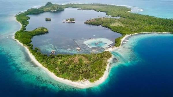 Juag Island and Lagoon Photo by Glenn Olayres Belarmino @glennb__