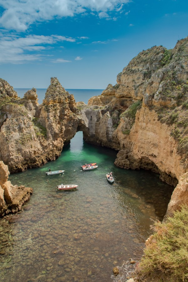 Ponta da Piedade photo by Dronepicr via Wikipedia CC