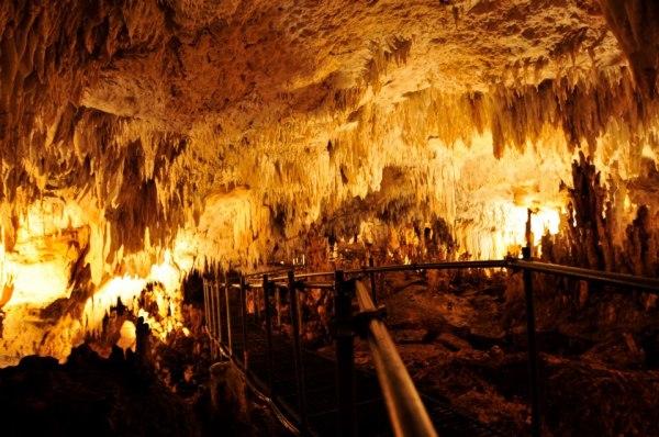 The Mabinay Crystal Cave photo by Mclovintosh via Wikipedia CC