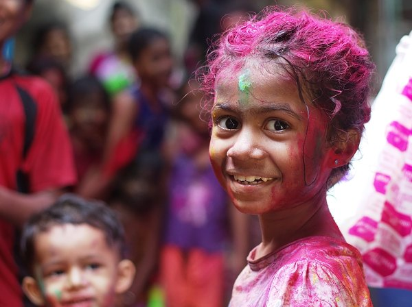 Holi Festival of Colors in Mumbai by Himanshu Singh Gurjar via nsplash