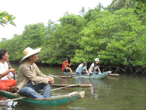 Lalaguna Bay Mangrove Forest photo via Turismo Lavezares FB