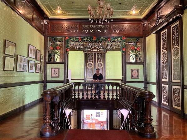 Melo inside Pamintuan Mansion