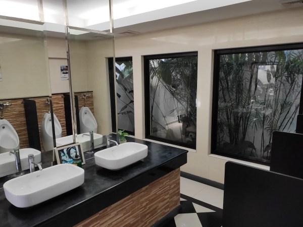 Restroom 20 at PTT-SCTEx Station