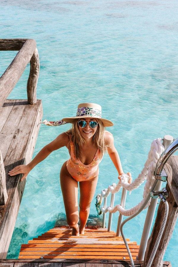 Sunglasses by Chelsea Gates via Unsplash