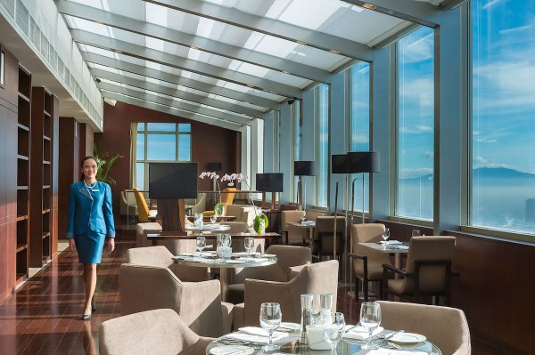 The Continental Club Lounge Filipino Warmth and Hospitality Acclaimed Among World's Best