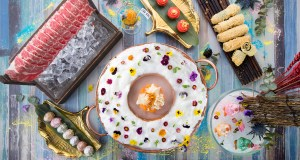 Bringing the concept of a lush wonderland into a spring appropriate setting, The Dream Garden of Live Flowers Hot Pot Broth is a feast for the eyes and the stomach.