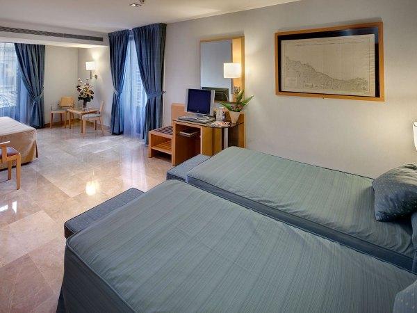 Triple Bed Room at Del Mar Hotel Barcelona