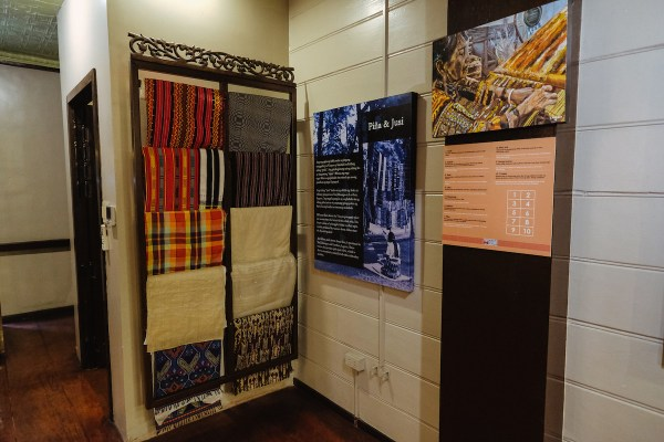 Various Woven Cloths on exhibit by Mac Dillera : NPVB