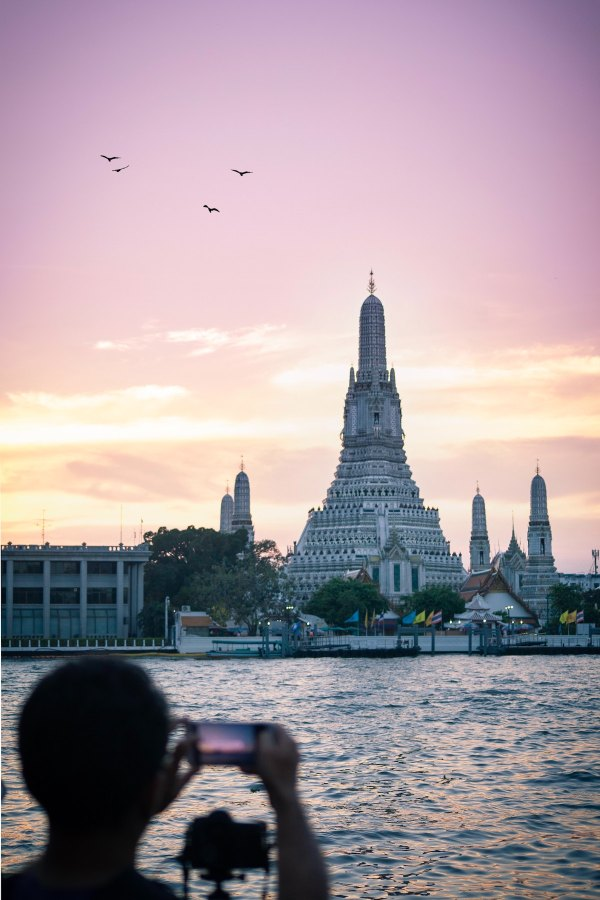 Bangkok River Cruise by Gareth Harrison via Unsplash