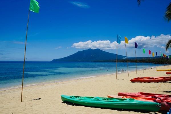 Poctoy White sand Beach in Marinduque