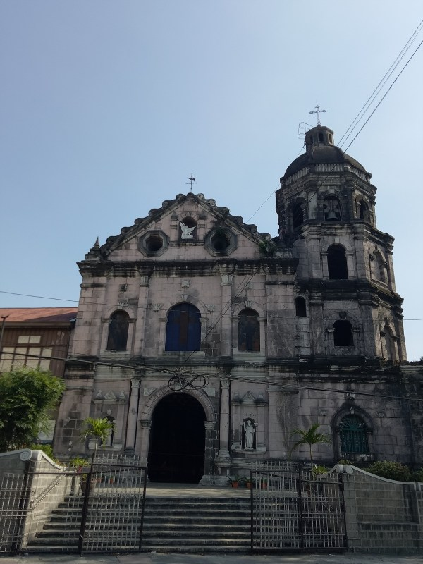 Santa Ana Church photo by Roel Balingit via Wikipedia CC Visita Iglesia 2019