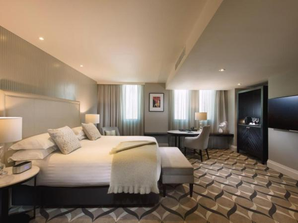 Deluxe King Room at Mayfair Hotel in Adelaide