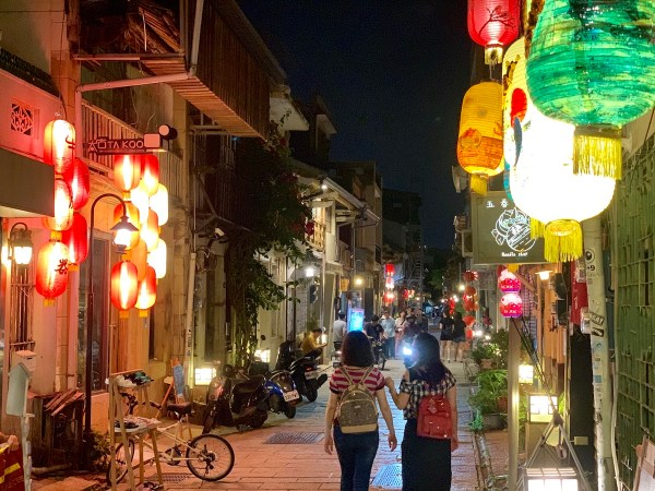 Exploring the Old Shennong Street in Tainan City