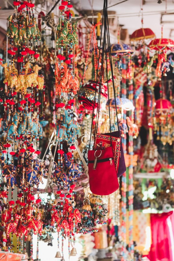 Souvenirs from Jaipur photo by Ibrahim Rifath via Unsplash