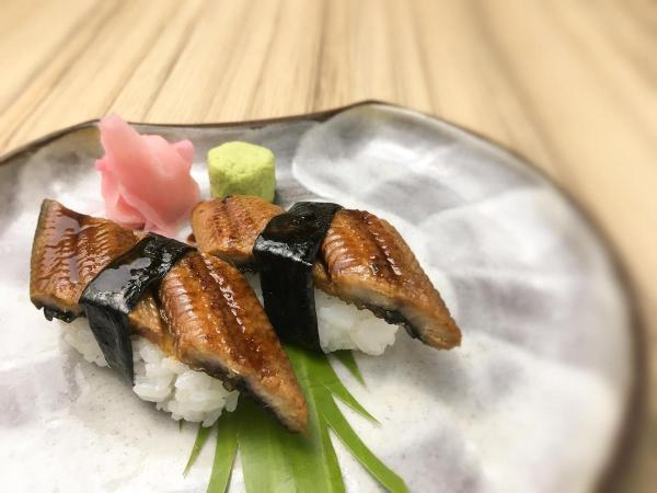 This mouthwatering open-faced unagi sushi (Php438 inclusive of vat) is a must-try!