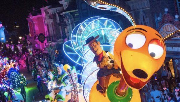 Disney Paint the Night Parade photo via HK Disneyland