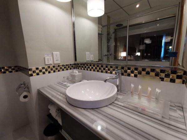 Bathroom at Holiday Inn Baguio City