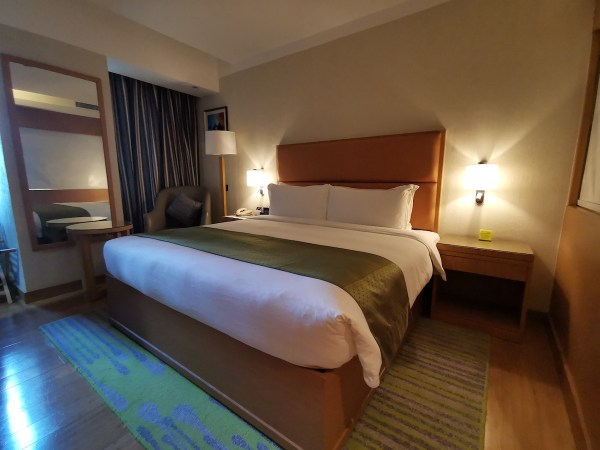 Bedroom at Holiday Inn Baguio