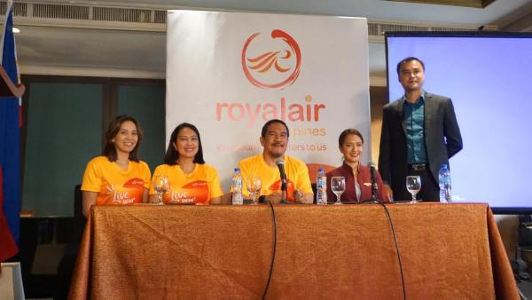 In photo: Royal Air Philippines CEO Ed Novillas and Royal Air executives at the launch of the airline's new hubs in Central Visayas.