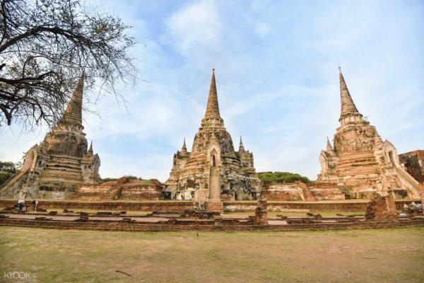 Explore the Wat Phra Sri Sanphet via Ayutthaya Private Tour image via KLOOK