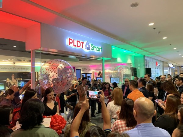 PLDT and SMART One Digital Store opening