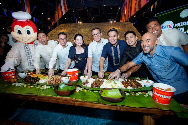 Eats. More Fun in the Philippines. The Department of Tourism partners with the country's leading fast-food chain, Jollibee, for an exciting food tourism campaign that showcases the richness and diversity of Filipino cuisine and the joy of eating in the Philippines. In photo (L- R) are Jollibee, Mikey Bustos, Jollibee Foods Corporation CEO Ernesto Tanmantiong, DOT Secretary Bernadette Romulo-Puyat, JFC Philippines Country Head Joseph Tanbuntiong, Jollibee Philippines President JJ Alano, Jollibee Global Brand CMO Francis Flores, Chef Jordan Andino, and Chef JP Anglo.