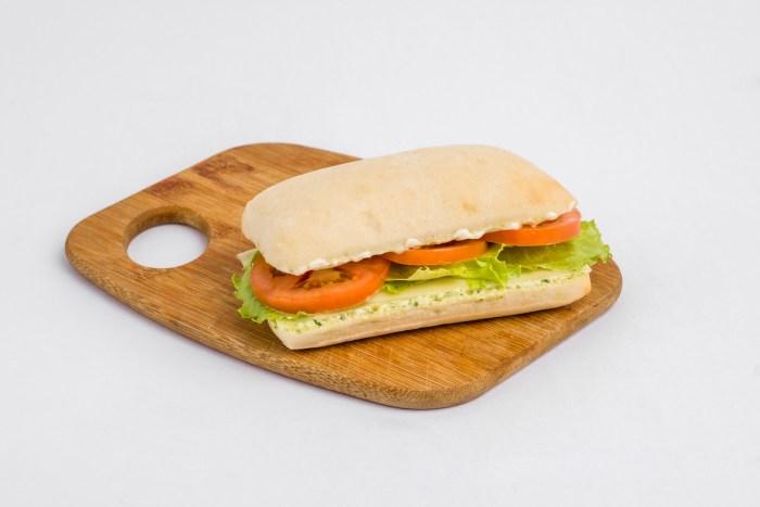 Veggie Pesto Sandwich