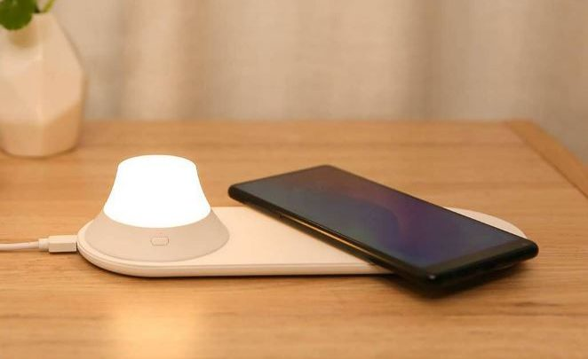 2-in-1 Yeelight Wireless Charger and Night Light Review