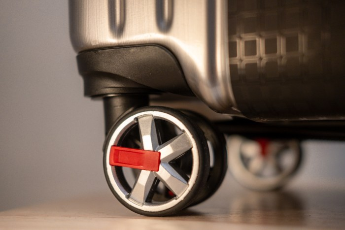 Luggage by SwissTech