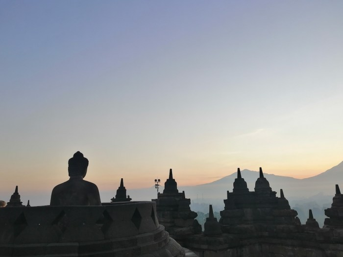 Photos from the Borobudur sunrise tour