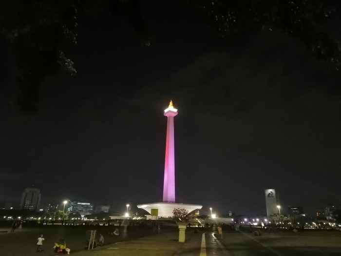 The lights of the National Monument at nighttime