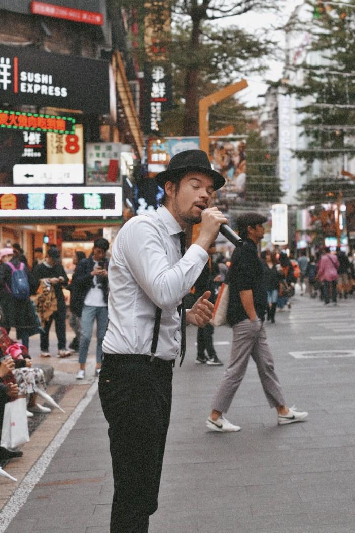 Djinn is a musician from Paris