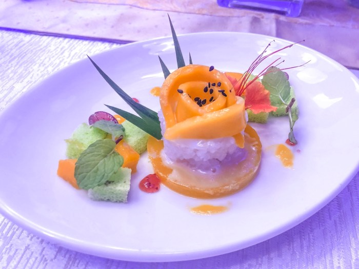 Sticky rice with mango jelly