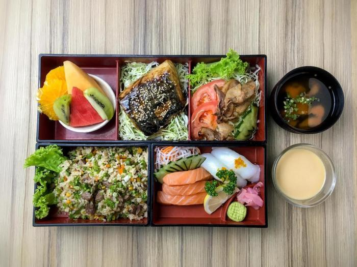The Mediterranean bento box is for diners who prefer grilled kingfisher (sawara) and Ika nigiri