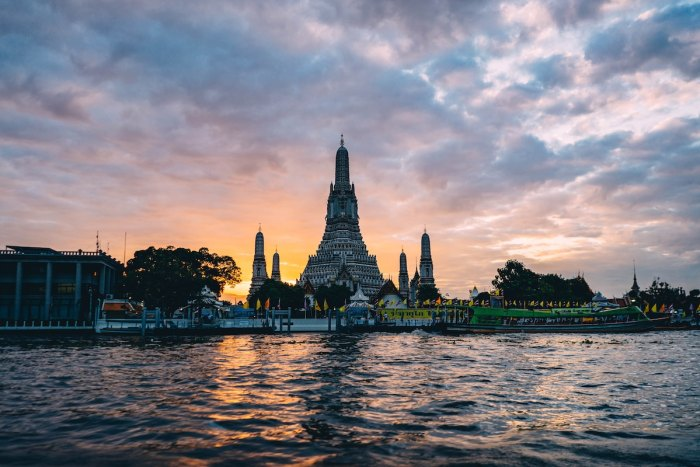 Best Scenic Attractions To Visit in Bangkok by @robsonhmorgan via Unsplash