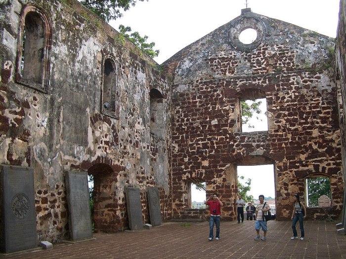 Church of Saint Paul, Melaka photo by Vmenkov via Wikipedia CC