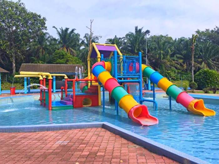 Wet World Air Panas Pedas Resort