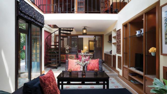 Chakrabongse Villas Hotel Lobby