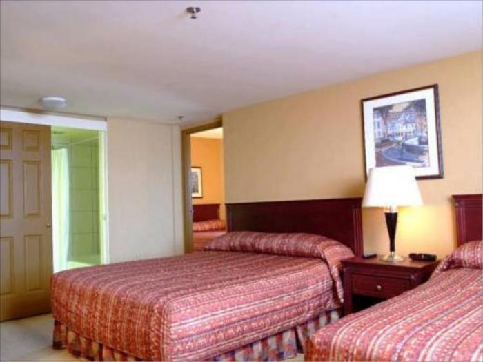 Hotel Classique Bedroom Design