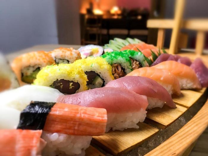 La locura de sushi de Kitsho ofrece opciones variadas en su promoción de come todo lo que puedas