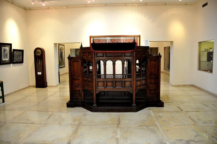 One of the halls in the Moroccan Jewish Museum, Casablanca Photo by Osama Shukir Muhammed Amin via Wikipedia CC