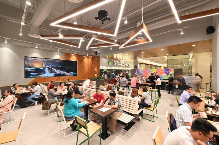 The first Shake Shack branch in Central Square in Bonifacio Global City