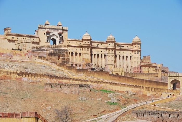 The massive outer walls of Amer Fort