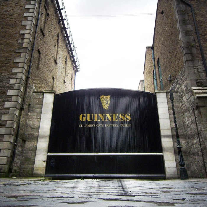 Home.fit Guinness-Open-Gate-Brewery-by-Mikel-Ortega-via-Wikipedia-CC 8 Reasons Why You Should Visit Dublin, Ireland