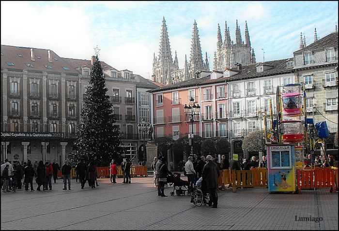 Plaza Mayor à Burgos Espagne photo de Lumiago via Flickr CC