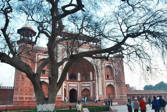Home.fit Entrance-Taj-Mahal Travel Guide to Taj Mahal in Agra, India