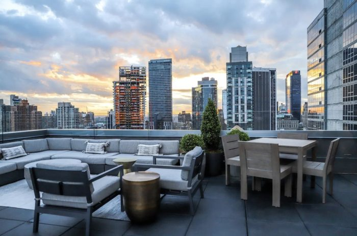 Airbnb in New York City with beautiful sunset view