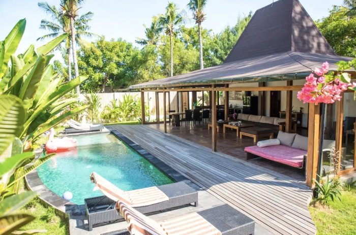 Green Diamond Villa Airbnb in Lombok with a Pool