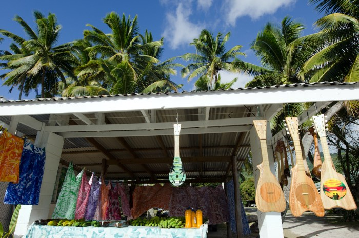 Tropical Souvenir Shop in Cook Islands photo via Depositphotos